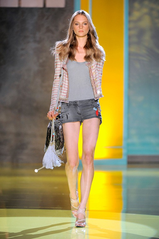 Wearable Trends: Patrizia Pepe Woman Spring/Summer Look Book