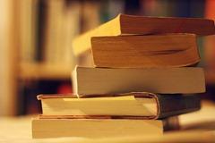 pile of books weekly geeks 21 06 2010