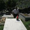 Ново гробље, Бања Лука, 5.8.2012., Саво Штрбац код гроба Боре Мартиновића, дугогодишњег пријатеља Веритаса.