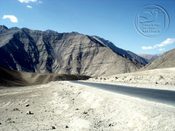 Incredible India : Magnetic Hill in Ladakh defies gravity
