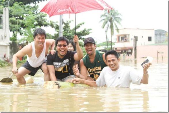 happy-flood-people-37