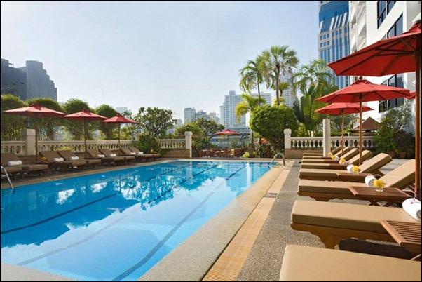 مسبح فندق اماري بانكوك