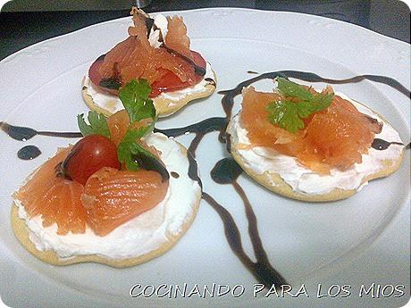 Cocinando para los mios canap s de salmon ahumado for Canape de salmon ahumado