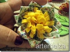 artemelza - flor de pano e feltro 1-043