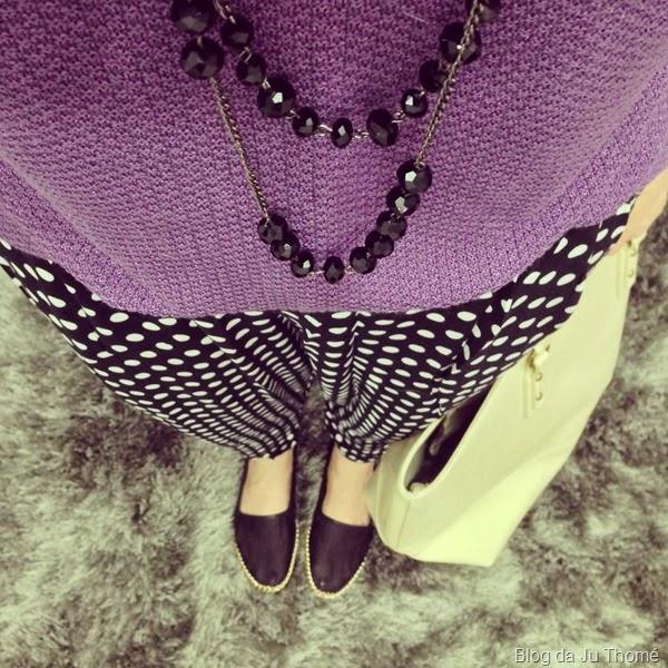 look tricô roxo e calça estampada (2)