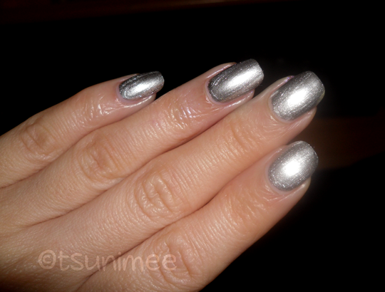 008rimmel-yourmajesty-nail-polish