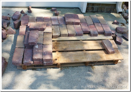 how many brick pavers in a pallet 2