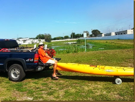 vic wheeling kayak2 from tailgate