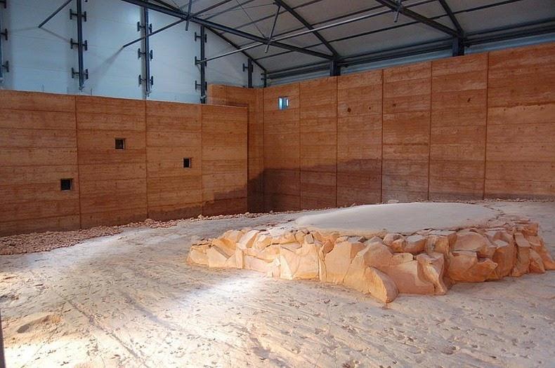 lark-quarry-dinosaur-trackways-8