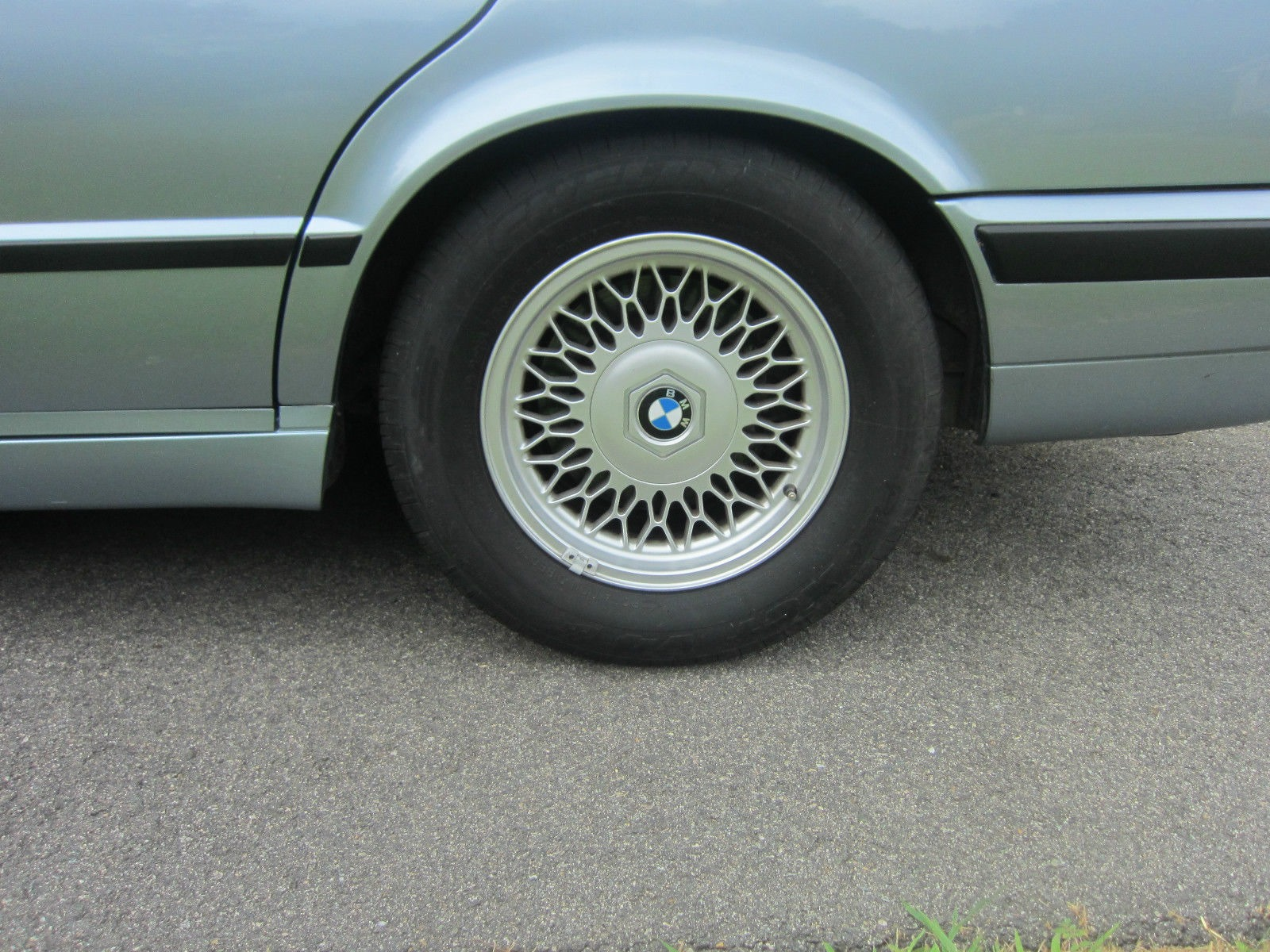 1995-BMW-540i-6Manual%25255B5%25255D.jpg