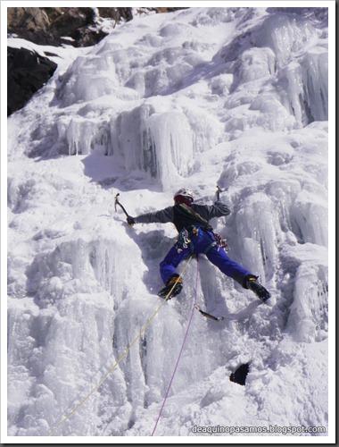 Cascada de Hielo del Parking (Balneario Panticosa, Pirineos) 7807