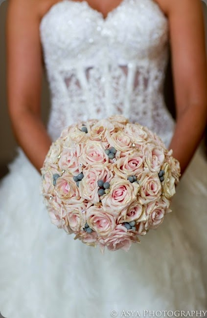 gold edges Beautiful-Blooms-pink-glitter-rose-bouquet1  Asya photo and beautiful blooms events