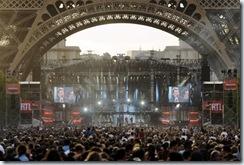 0610 concert gratuit de Johnny Hallyday sous la Tour Eiffel