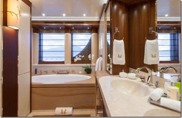 yacht-rental-rich-017