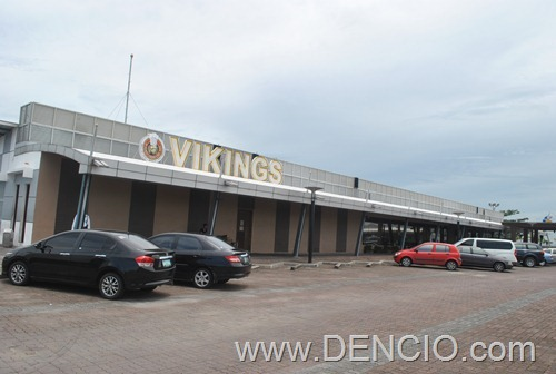 Vikings Luxury Buffet MOA001