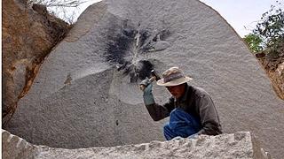 Chẻ đá ở Kon Tum