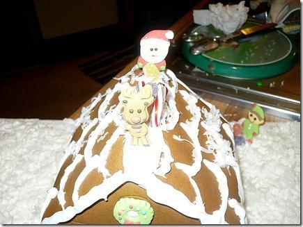 Gingerbreadhouse12-19-11f