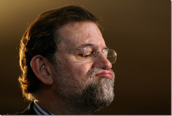 Popular Party leader Mariano Rajoy has visited Marbella today and he has celebrated a meeting with people his Party for ask elections for Marbella, souther Spain , April 6, 2006.<br />Reuters/Rafael Marchante