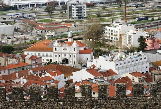 Portugal - Pombal - vista da cidade a partir da torre de menagem do castelo-Glória Ishizaka