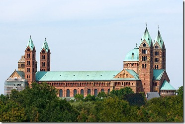 800px-Speyer---Cathedral---South-View---(Gentry)