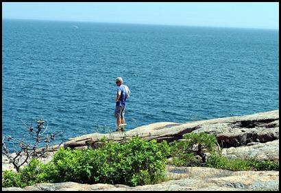 02d - hiking Ocean Path - Dan aka Billy Goat on the edge