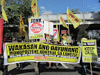 Piston partylist members join workers' march to US Embassy and Mendiola (Photo by M. Salamat / Bulatlat.com)