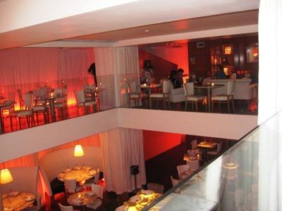 asian-restaurant-new-york-city-nude-photo