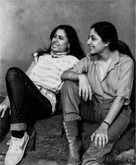 smita-patil-and-deepti-naval
