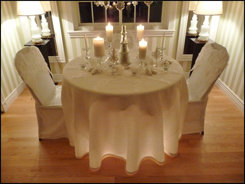 Christmas dining room 2011 angel wings 003 (800x600)