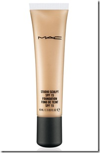 mac-well-defined-studio-sculpt-foundation