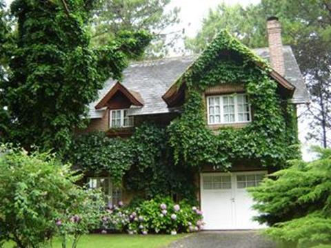 Decoraci n de jardines y fachadas dise o y decoracion de for Fachadas con plantas trepadoras