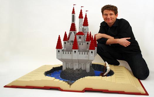 nathan_sawaya_lego_castle