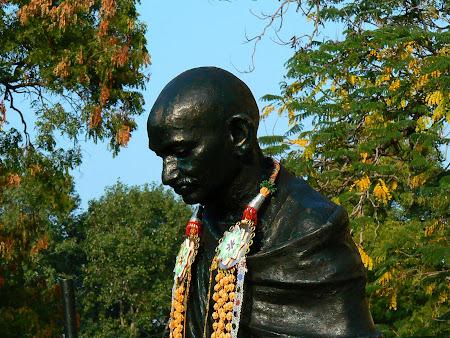 Madurai statue of Gandhi in Tamil Nadu