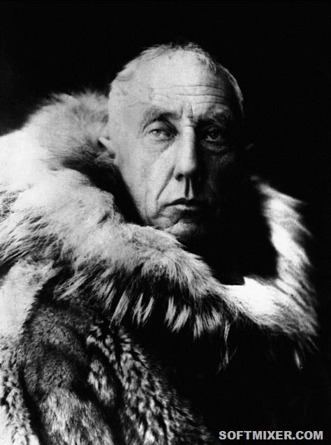 761px-Amundsen_in_fur_skins