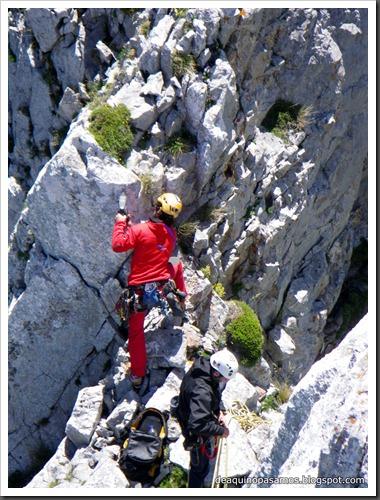 Arista Sanchez Sadia-Samper 300m 120m Rapel 6c¿ (V  A1 Oblig) (Peñe Robre, Andara) (Isra) 0471