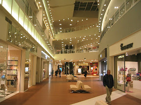 Inside the Lalaport Toyosu Mall