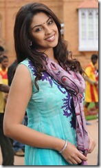 Actress Richa Gangopadhyay New Pictures in Sarocharu Movie