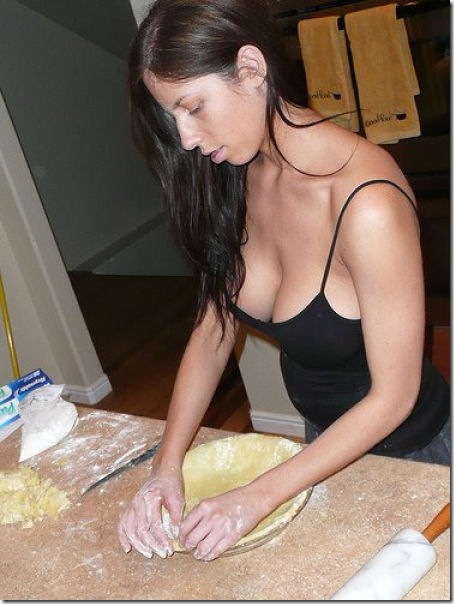 kitchen-women-work-32
