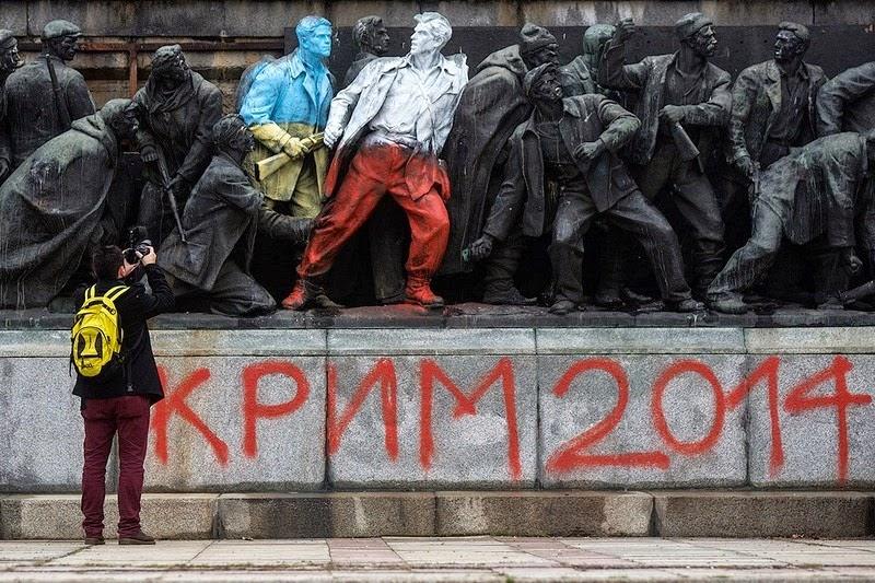 monument-soviet-army-sofia-1