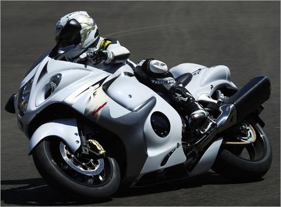 2013-Suzuki-Hayabusa-ABS_16
