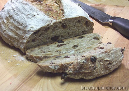 sourdough-rye-raisins-walnuts 045