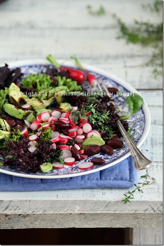 sałata karbowana, rzodkiewka i zioła (10)