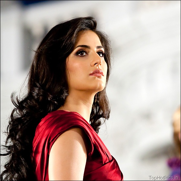 Katrina Kaif Hot Hd Pics in Red Dress 20