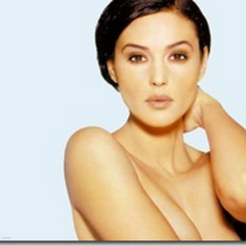 Monica Bellucci Hot Stills