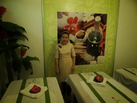 06. Vietnamese masseuse.JPG