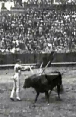 1914-04-22 Sevilla Joselito por alto 02