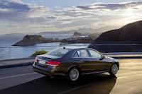 Mercedes-Benz-E-Class-09.jpg
