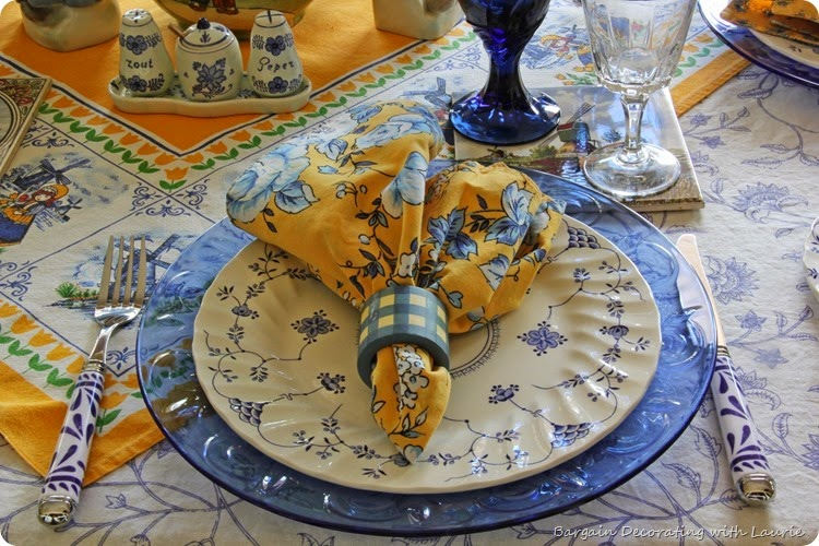 Dutch Theme Tablescape-Bargain Decorating with Laurie