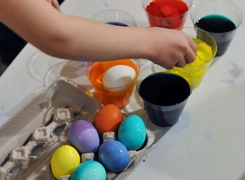 2014-04-19 egg dyeing (97)
