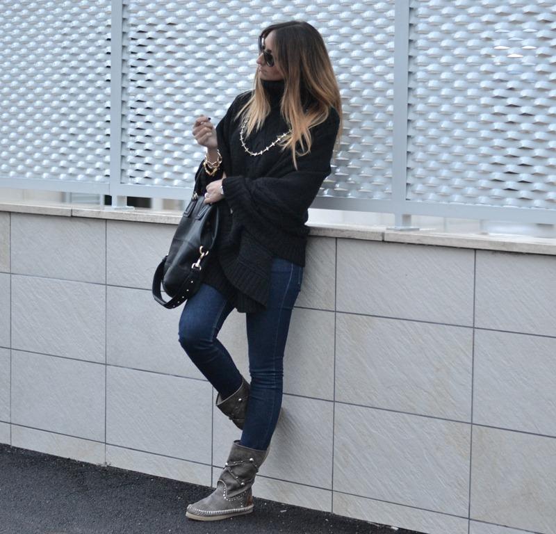 LdiR - l' Artigiano di Riccione, stivali Indianini, Cheap Monday jeans, Givenchy Bag, Italian Fashion Bloggers, Fashion Blogger Italiani, Fashion Blogger Toscani, Fashion blogger Firenze, Florence fashion Blogger, Outfit, Look of the day, Primark Necklace, primark, poncho, Dior Sunglasses